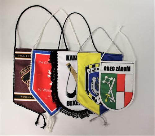 Zakázkové klubové vlajeèky - typ A - zvìtšit obrázek