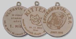 Døevìná medaile - s gravírováním